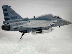 स्वदेशी लड़ाकू विमान तेजस के नौसेना संस्करण का परीक्षण सफल