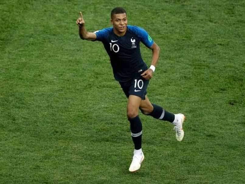 PSG क्लब की ओर से खेलते हुए 7 नंबर की जर्सी पहनेंगे फ्रांस के फुटबॉलर एमबापे