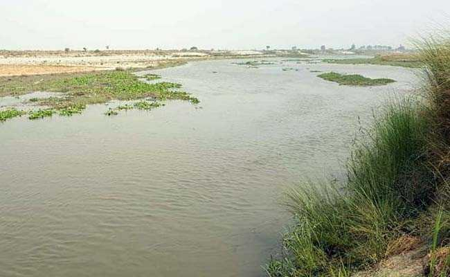 Boy Feared Drowned In Yamuna After Saving Two Others in Jehanabad