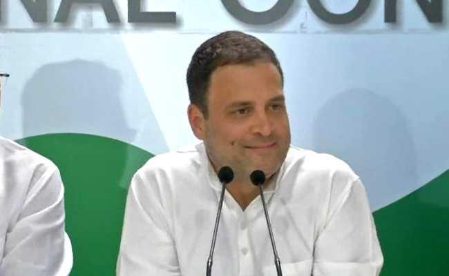 जब प्रेस कॉन्फ्रेंस शुरू होने से पहले राहुल गांधी ने पत्रकारों से पूछा, आपका मूड कैसा है? देखें VIDEO