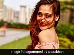 बर्थडे पर फूड पॉइजनिंग के चलते अस्पताल रहीं Sara Khan, जानें बचने के नुस्खे...