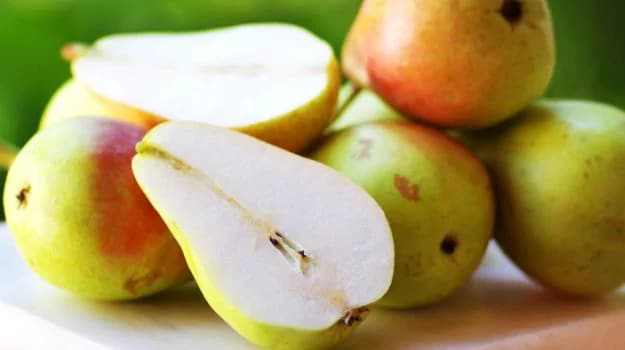 Season's Best: 4 Unique Ways Of Eating Pears This Season