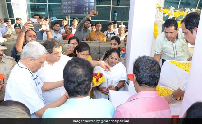 Manohar Parrikar Returns From US After Medical Check-Up