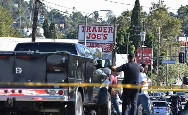 Gunman Who Barricaded Himself Inside Los Angeles Store Arrested, 1 Dead