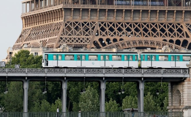 After 118 Years, Paris To Bid Farewell To Its Metro Tickets