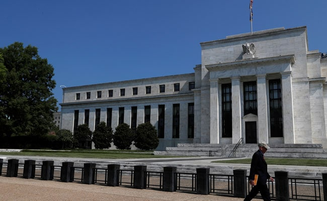 US Federal Reserve Keeps Interest Rates Unchanged thumbnail