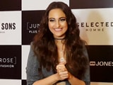 Video: Ranveer Singh & I Couldn't Walk The Ramp Together: Sonakshi Sinha