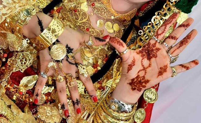 Tunisian Economy S Key Driver Henna Losing Its Allure As Red Gold