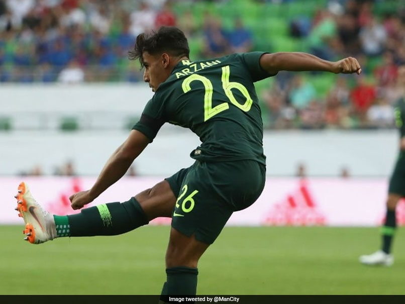 Australian Teenager Daniel Arzani Signs For Manchester City