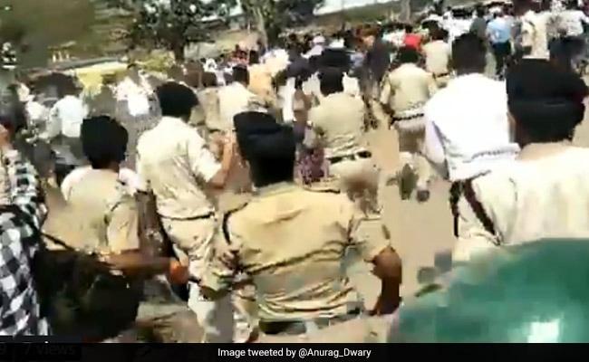मध्य प्रदेश : सतना में एससी-एसटी एक्ट में संशोधन के विरोध के दौरान पुलिस ने जमकर भांजी लाठियां