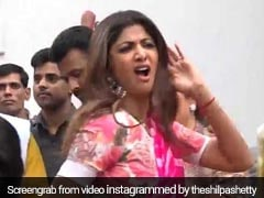 Video: शिल्पा शेट्टी ने ढोल नगाड़ों के साथ किया बप्पा का विसर्जन, यूं लगाए जबरदस्त ठुमके...