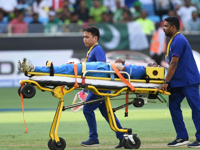 Asia Cup 2018: Hardik Pandya Injured, Stretchered Off Following Injury During Asia Cup Match Against Pakistan