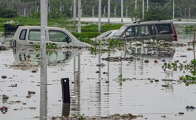 Yamuna Flowing Above Danger Mark, 598 People Evacuated In Delhi