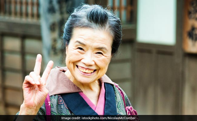 100 साल की उम्र के पार हैं इस देश के 69,785 लोग, PM ने भी हाल में मनाया सौवां जन्मदिन