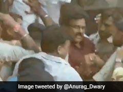 छत्तीसगढ़ : बिलासपुर में पुलिस ने कांग्रेस कार्यकर्ताओं को जमकर पीटा, वरिष्ठ कांग्रेसी नेता घायल