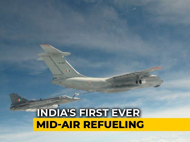 Video : Watch: India's Tejas Fighter Jet Carries Out First Ever Mid-Air Refueling