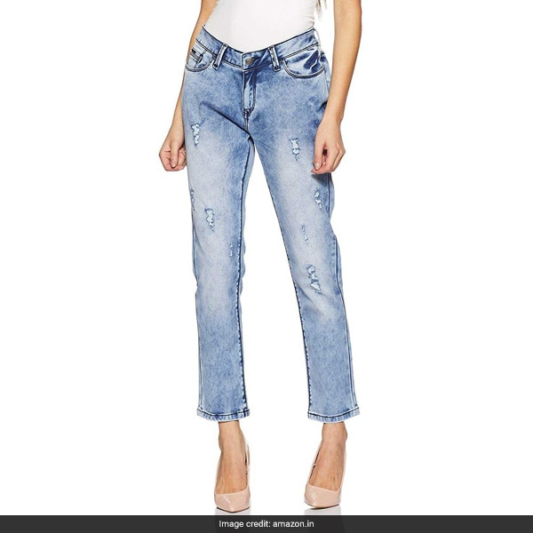 a2f9ce9371f6b 4 Ripped Jeans To Try The Celebrity Denim Trend Like Kareena Kapoor