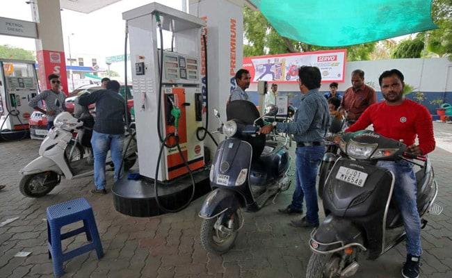 Petrol, Diesel Prices Kept Unchanged Despite Rising Global Oil Rates