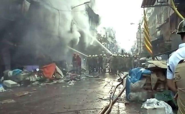 पश्चिम बंगाल: कोलकाता के बागरी बाजार में लगी भीषण आग, दमकल की 30 गाड़ियां मौके पर मौजूद