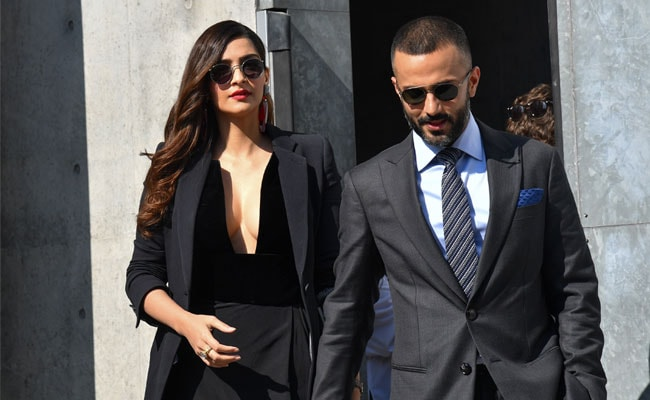 b0dac4322a84 Sonam Kapoor And Anand Ahuja Were A Class Apart At Milan Fashion Week