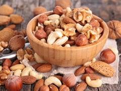 Healthy Diet: खाली पेट भीगे हुए काजू, बादाम और किशमिश खाने से ब्लड प्रेशर होगा कंट्रोल, घटेगा मोटापा! और भी कई फायदे कर देंगे हैरान