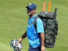 Asia Cup 2018: MS Dhoni Turns Mentor In Head Coach Ravi Shastri's Absence