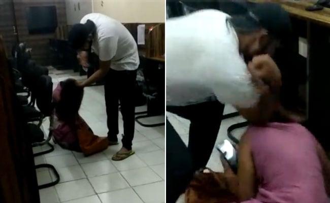 ऑन कैमरा लड़की को बेरहमी से पीटने वाले शख्स की गर्लफ्रेंड ने वीडियो देखने के बाद तोड़ी शादी, केस भी कराया दर्ज