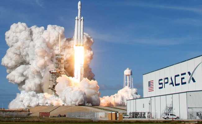 SpaceX Gets Approval To Launch  Constellation Of 12,000 Satellites