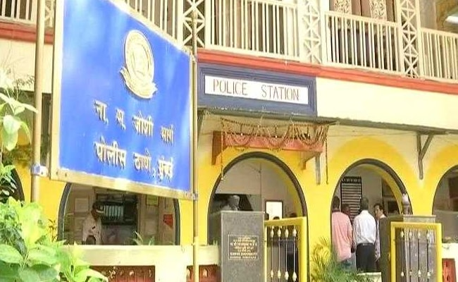 Missing Mumbai Bank Executives Car Found Blood Stains Knife On Seat