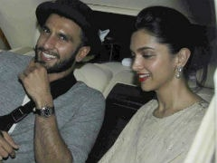 'Ranveer Singh, <I>Shaadi Kab Hai</i>?': Actor Caught Off Guard By Tanmay Bhat's No-Filter Mode