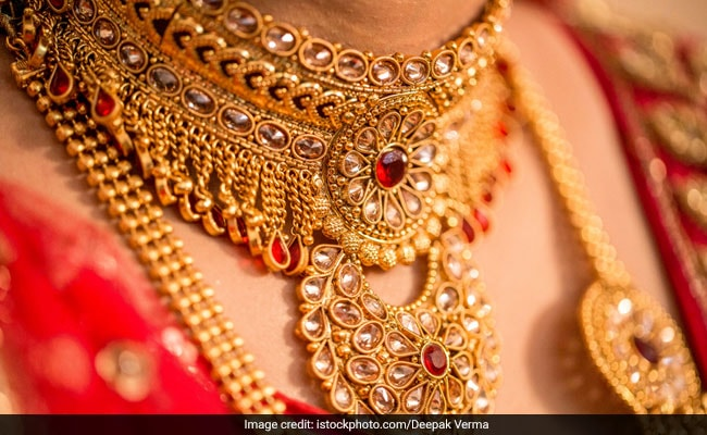 Gold Prices Lose Shine Amid Weak Domestic Demand 5 Things To Know