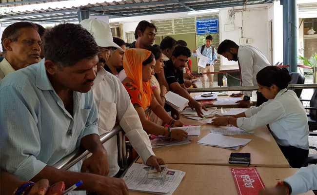 डोरस्टेप डिलीवरी रियलिटी चेक : अब तक कुल 624 अपॉइंटमेंट, 74 के घर पहुंची दिल्ली सरकार