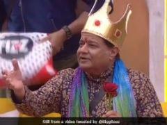 <i>Bigg Boss 12</i>, Day 4: Anup Jalota Sings Sunny Leone's <i>Baby Doll</i> For Roshmi And Kriti