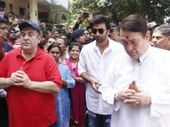 Ganpati Visarjan At RK Studio: Ranbir Kapoor And Family Bid Bappa Adieu, Perhaps For Last Time