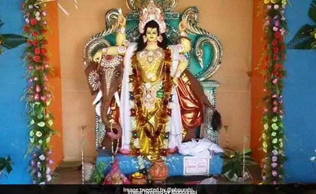 विश्वकर्मा पूजा 2018: भगवान विश्वकर्मा को प्रिय है ये आरती, मशीनों की पूजा करते समय पढ़ना न भूलें इसे