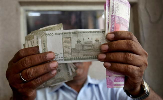 Rupee Weakens 29 Paise Against US Dollar