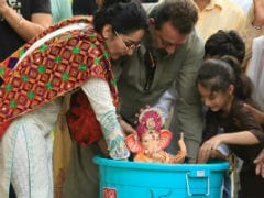 Eco-Friendly Ganpati Visarjan: How Sanjay Dutt Bid Adieu To Bappa With Maanyata And Kids