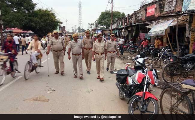 Man Stops To Urinate On Road In UP, 2 Allegedly Flee With His Motorbike