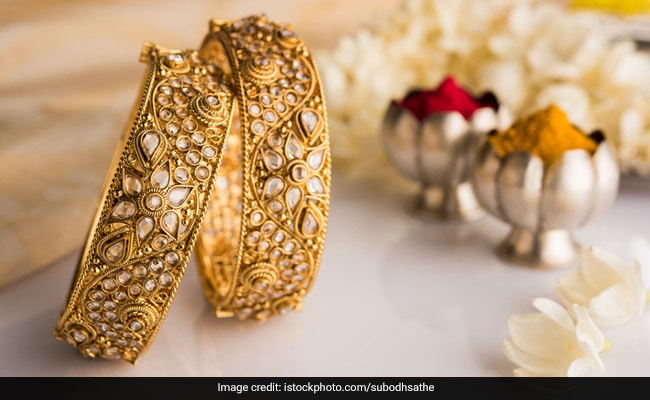 4 Kinds Of Jewellery You Need To Stock Up For This Festive Season