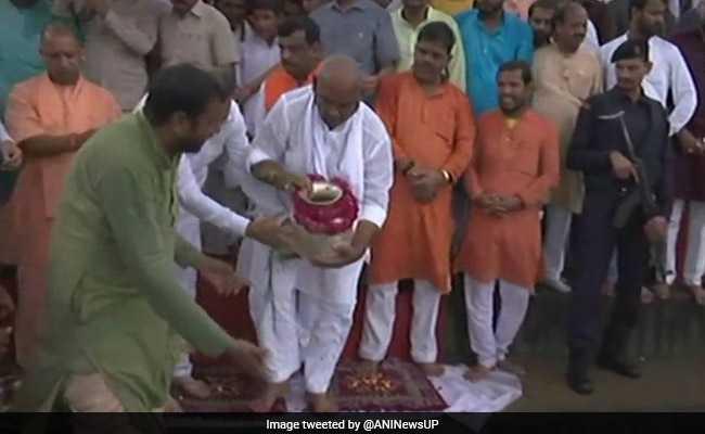 Atal Bihari Vajpayee's Ashes Immersed In Yamuna At Native Village
