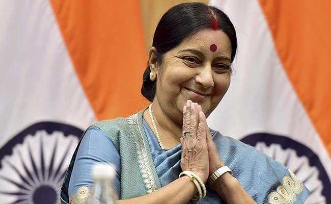 Tunisian Woman Who Speaks Four Indian Languages Charms Sushma Swaraj
