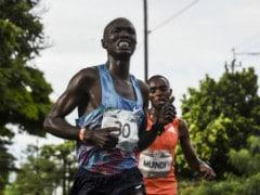 Kenyan Athlete Gets Hit By Car While Running Colombian Half-Marathon