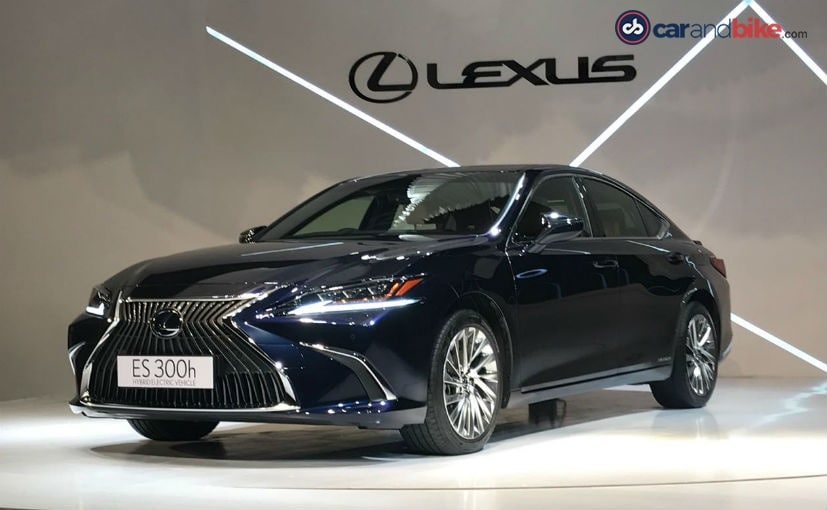 Lexus has already launched the new 7th generation ES in the hybrid only spec a few weeks ago.