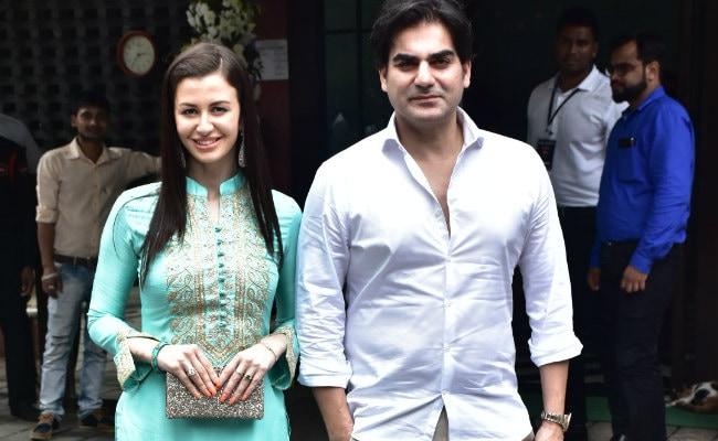 Ganesh Chaturthi 2018: Arbaaz Khan Brings Rumoured Girlfriend Giorgia Andriani To Arpita Khan Sharma's Ganpati Visarjan