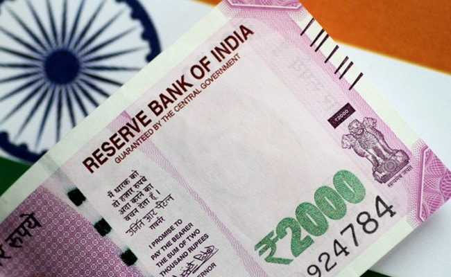 Rupee Weakens By 9 Paise Against US Dollar In Early Trade