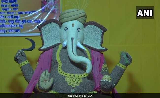 11 Types Of Grains Used To Make This Eco-Friendly Ganesha Idol