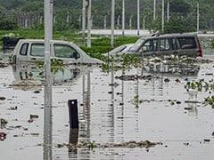 दिल्ली में यमुना अब भी खतरे के निशान से ऊपर
