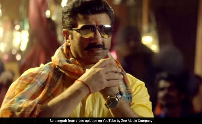 Bhaiaji Superhit Movie Review: नहीं भाए बनारस के भैयाजी, कमजोर कहानी ने किया निराश