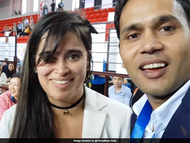 Watch: Indian Chess Player Niklesh Jain Proposes To Colombian Woman Grandmaster Angela Franco At Olympiad