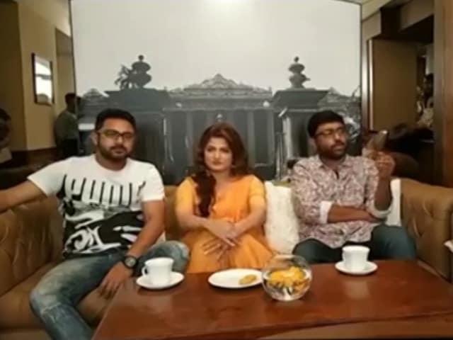Video : শ্রাবন্তী-সোহমের বাংলা সিনেমা 'পিয়া রে' নিয়ে লাইভ আড্ডা